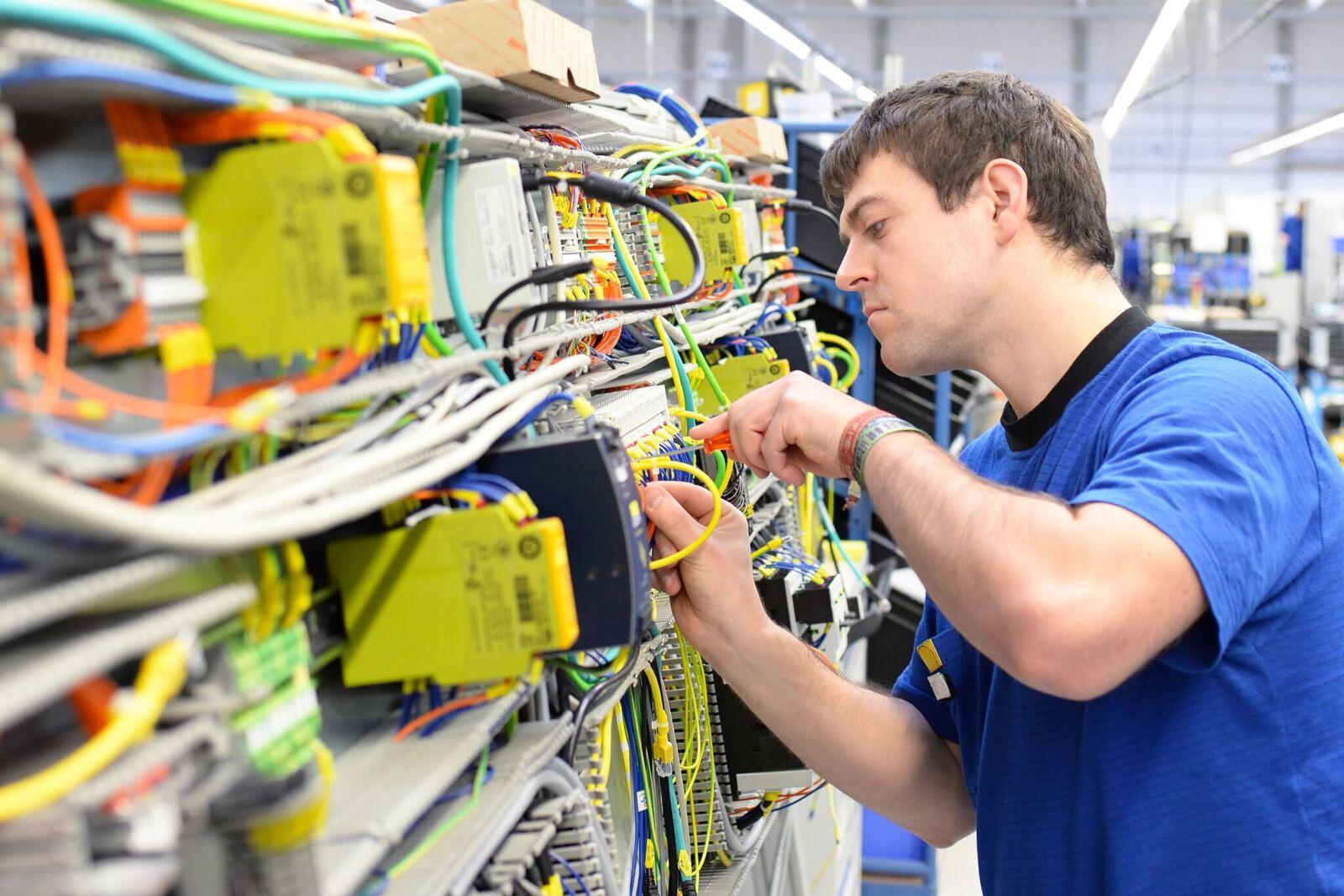 inpraxi | Elektriker / Programmierer (m/w) Wallenhorst